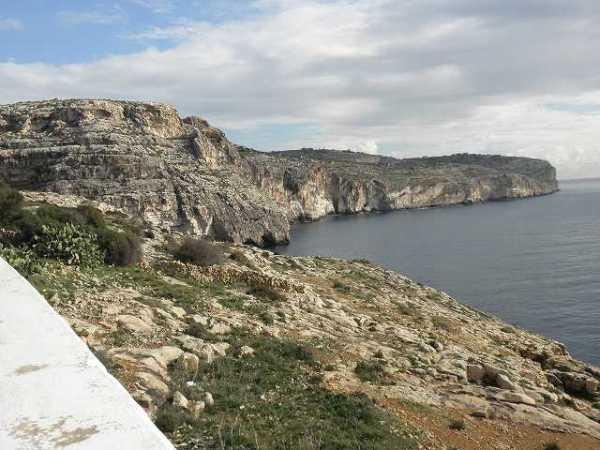 マルタの土地は意外とゴツゴツとしている