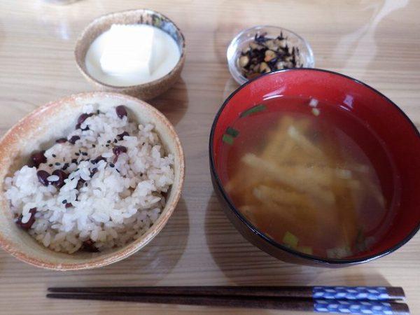 ありがたい和な朝ご飯♪外国の友達は初体験でした