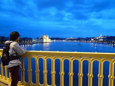 ハンガリー:夜のドナウ川(ブダペスト)