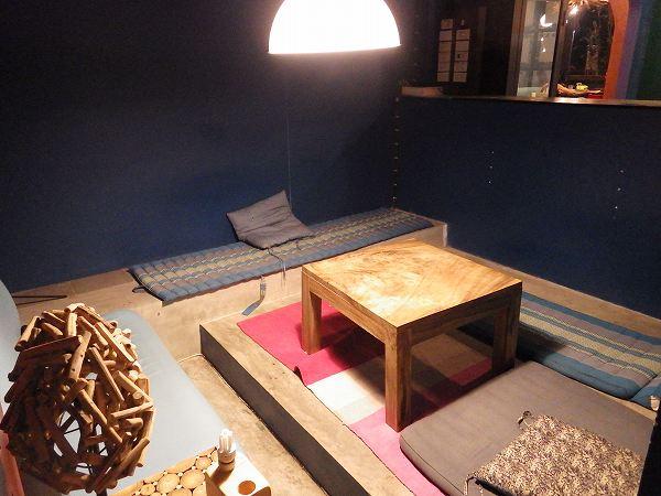 個室もありました:チェンマイのカフェ