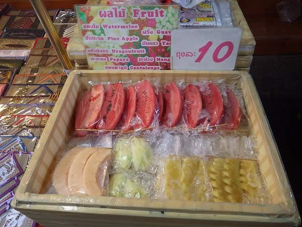 フルーツ屋さん:チェンマイサンデーマーケット