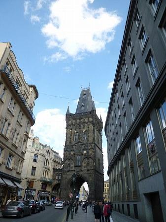 プラハ旧市街の入口:火薬塔