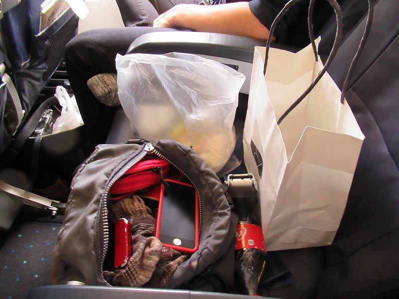 席の上に荷物置いたままでも全然怒られない:Tway航空♪