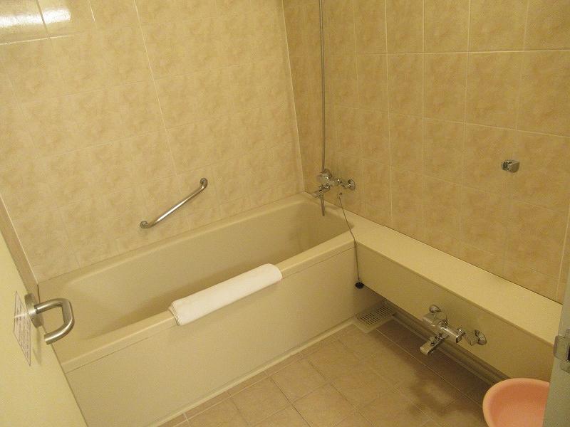 風呂も広い!レオパレスリゾートグアム