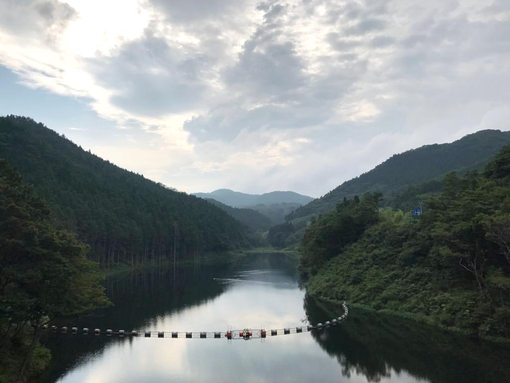 田束山途中にあったダム。田束湖