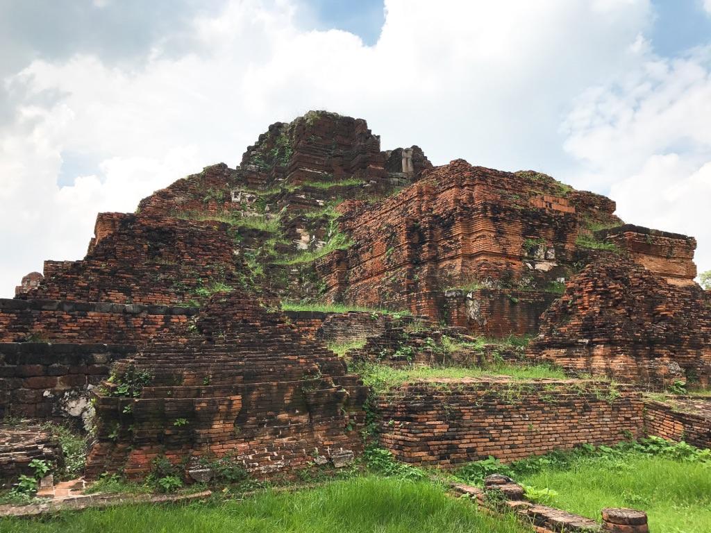 アユタヤ遺跡・タイの古都