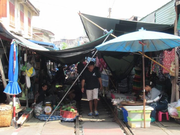 メークロン駅から続く市場!タイ旅行