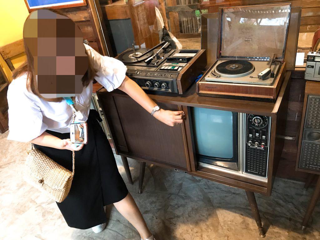 戸棚の中にはテレビが!バーン・バンケーン博物館