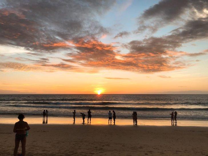 プーケットの綺麗な夕陽:タイ旅行