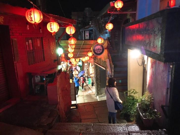 夜の九份の雰囲気・台湾旅行