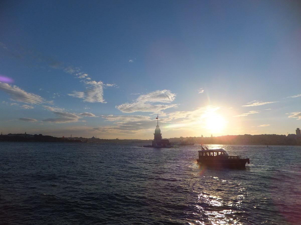 ボスポラス海峡・トルコ・イスタンブール・夕日