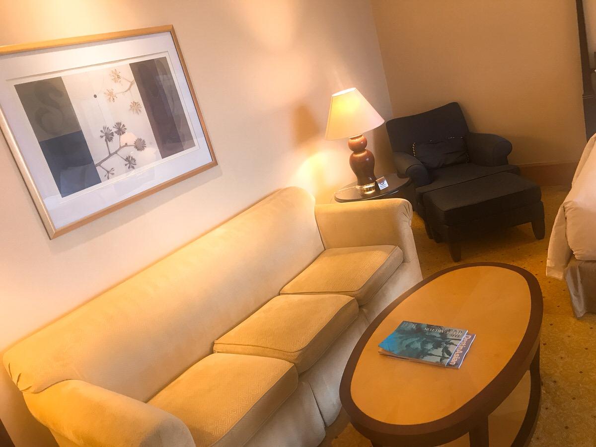 寝室の様子・ザ・リッツカールトン・ジャカルタメガクニンガン・グランドルーム63m2