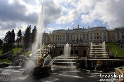 Letnia rezydencja Piotra I, dziś znana światu jako stolica fontann, Peterhof, Rosja