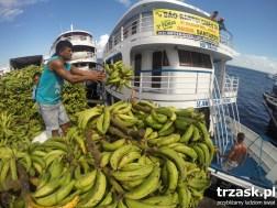 Port w Santarem i ogromna ilość bananów