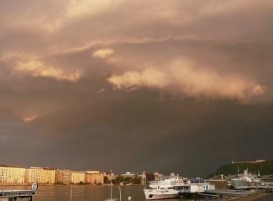 Dunapart vihar előtt