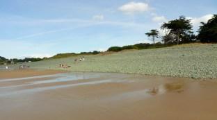 Kék ég, homokos part