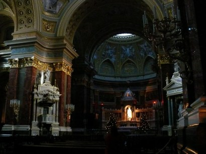 Bazilika belül