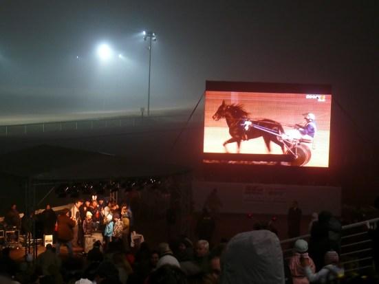 Szilveszter a lóversenypályán