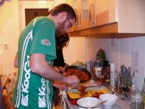 Készül a lasagne
