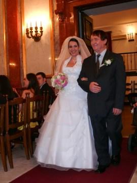 Bevonluás - a menyasszony és az örömapa