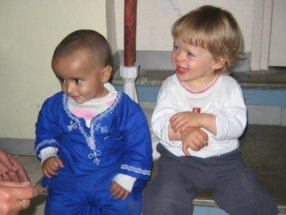 Gaspard et le fils d'Ibrahim, lors de l'AG de MASNAT aux Saisies, en 2005