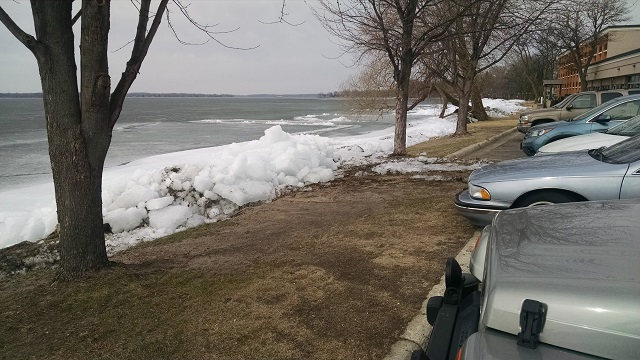 Shore Ice Building up