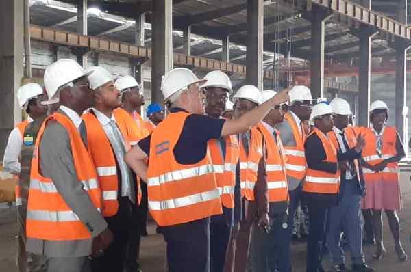 Hugues MBADINGA MADIYA y effectue sa première visite officielle à la ZES de Nkok