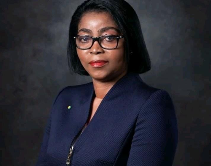 Rose Christianne Ossouka Raponda opte pour la diversité ethnique dans son cabinet.