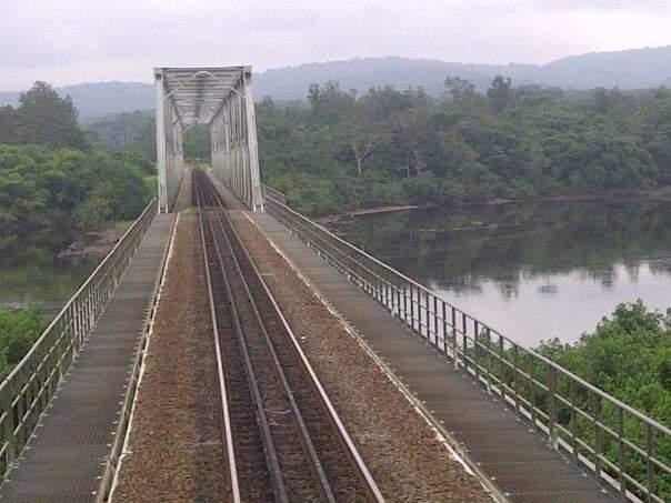 Etat gabonais/Setrag: Signature de l'avenant n°2 du Programme de Remise à Niveau de la voie ferrée