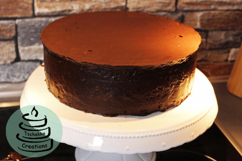 Brownie_Kirsch_Torte_Einstreichen_2
