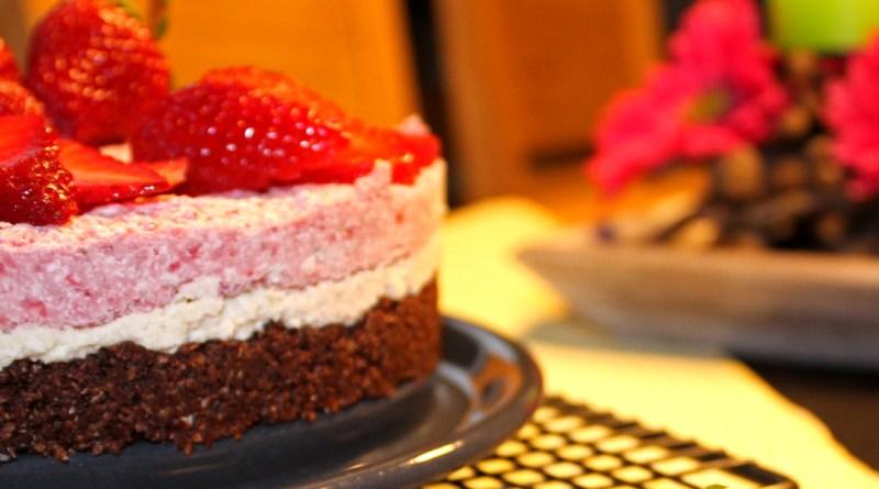 Erdbeer_Nuss_Torte_1400x600_oL