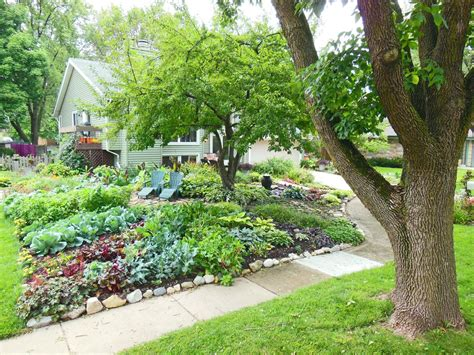 38 homes turned front lawns beautiful