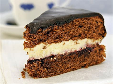 easy rich chocolate cake recipe
