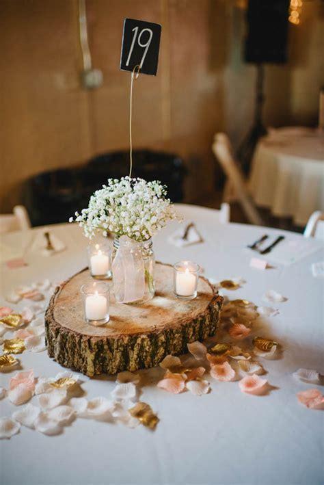 25 sweet romantic rustic barn wedding decoration ideas