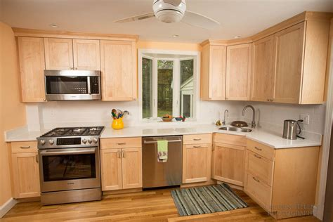 Kitchen Pictures With Maple Cabinets.html