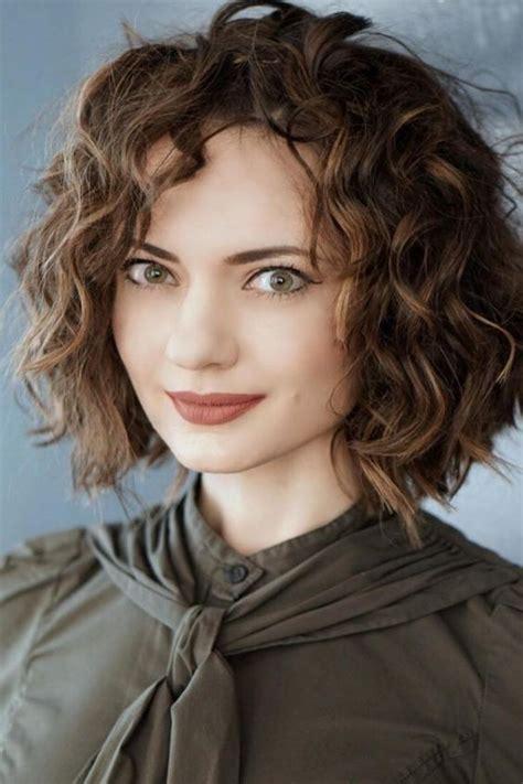 20 Short Wavy Hairstyles Ever Trending In 2018.html