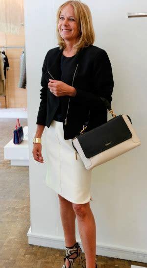 wear office women 50 professional