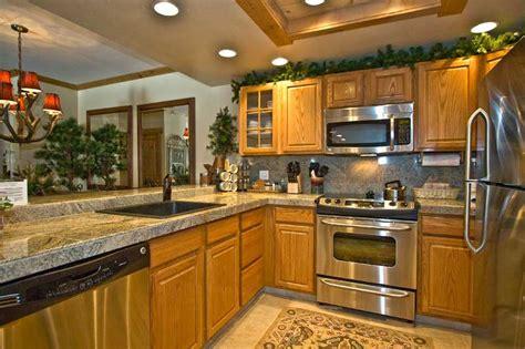 paint colors kitchens oak cabinets