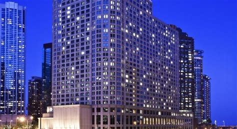 pin cityfront place streeterville neighborhood chicago hotels hotel