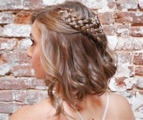 curly prom hairstyles short haired brunettes hair highlights