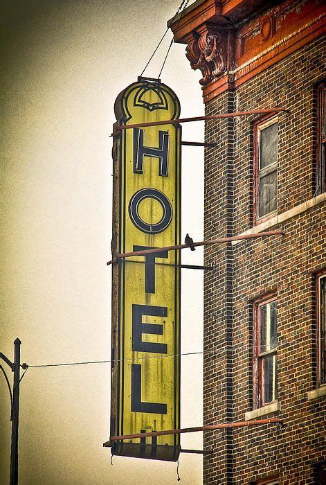 detroit hotel sign signs 2019 neon signs vintage