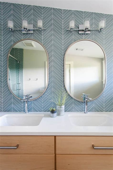 20 oval mirror ideas bathroom 𝗗𝗲𝗰𝗼𝗿 𝗦𝗻𝗼𝗯