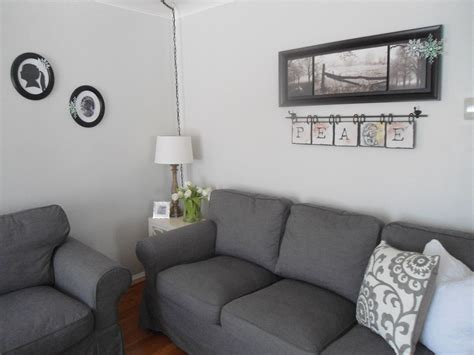 neutral living room paint color benjamin moore gray