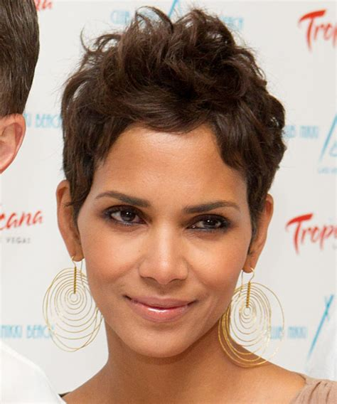 halle berry short straight light chocolate brunette hairstyle