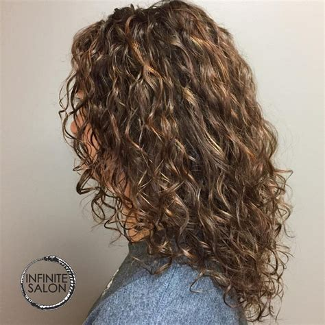 curly hair layers spefashion