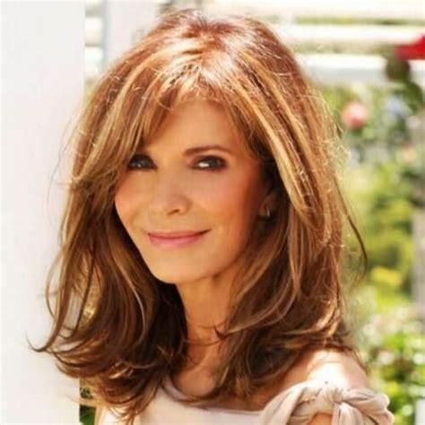 25 gorgeous medium length hairstyles women 50