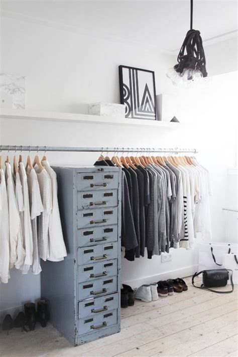 Open Clothes Storage.html