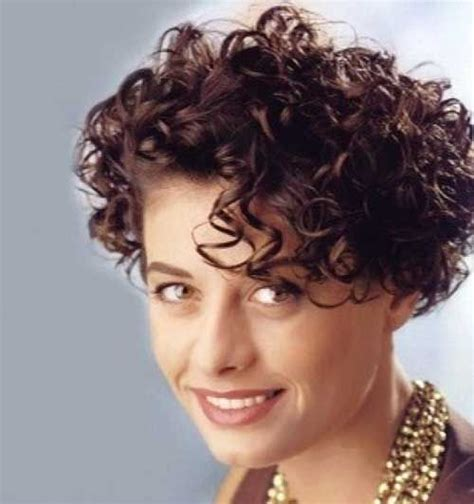 15 short haircuts curly frizzy hair http short
