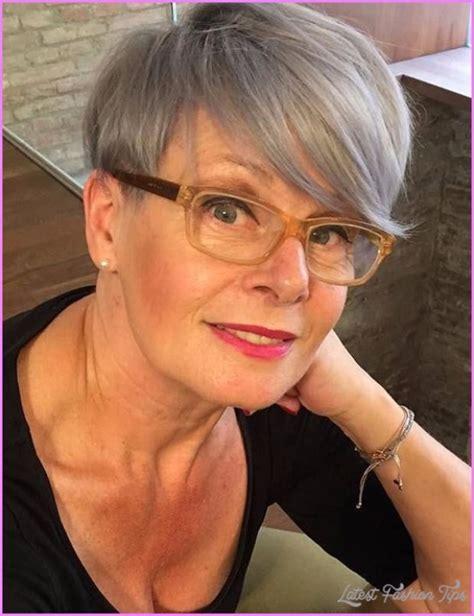short hairstyles women 50 glasses latestfashiontips