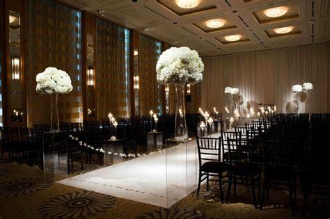 ceremony é photos indoor ceremony é clear pedestals
